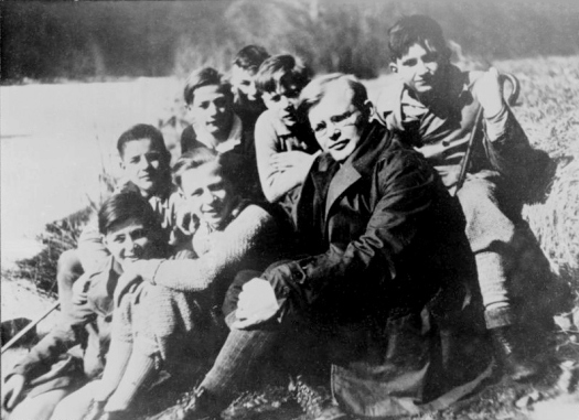bonhoeffer with congregation